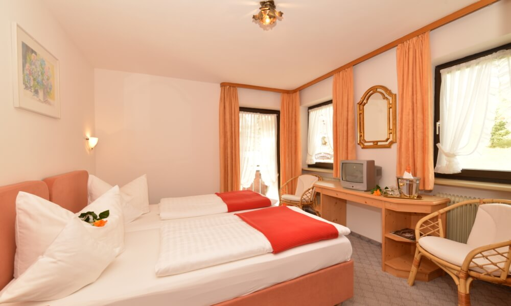 Double low budget with balcony in the main house - Double Room